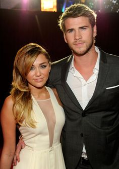 Miley Cyrus and Liam Hemsworth..please get back together!