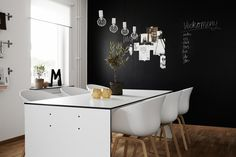 #interior #styling #dining #decor #scandinavian #chalkboard #white #bulb