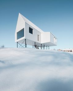 High House in Quebec by Delordinaire