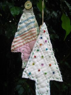 With a kitten in the house, this Christmas, this may be our only tree ornaments, to save our breakables!! Quilt Christmas Tree Ornaments