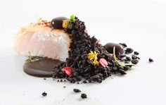 Bacalao al pil-pil negro y tierra de aceituna. Recetas de Alta Cocina en Saber y Sabor