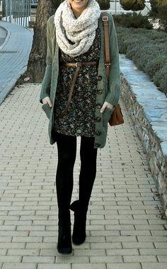 Invierno/vestido flores/botines/ chaleco largo