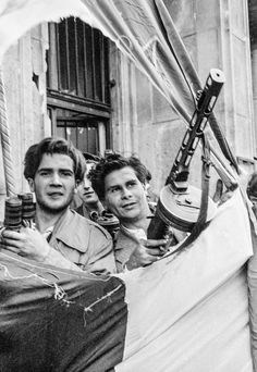 The 1956 Hungarian Revolution – in pictures Hungarian Tattoo, Hungarian Flag, World History Facts, History Photos, Landscape Photography, Portrait Photography, Nature Photography, Photography Tips, Street Photography