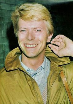 David Bowie 80s..... ........  RIP... www.rmr4international.info ... RMR4 INTERNATIONA.INFO
