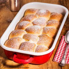 Buchteln Angel Food Cake, Party Snacks, No Bake Cake, Hot Dog Buns, Banana Bread, Baking, Desserts, Regional, Drinks