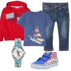 Per un bimbo che ama giocare all'aria aperta scegliamo un look sportivo che lo faccia sentire sempre comodo. Jeans, t-shirt, felpa con la zip, sneakers con chiusura a strappo e orologio.