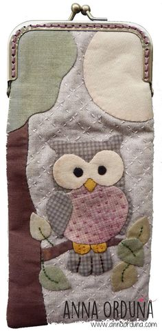 Learning to Crochet is as Easy as Japanese Patchwork, Patchwork Bags, Quilted Bag, Wool Applique, Applique Quilts, Quilting Projects, Sewing Projects, Owl Bags, Country Quilts