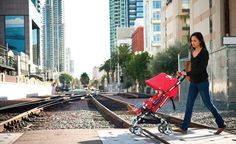 Bumbleride Flite Lightweight Travel Stroller, Aquamarine Flite is not your average umbrella stroller. Flite features an ultra-compact fold at x x Best Lightweight Stroller, Umbrella Stroller, Travel Stroller, Van Nuys, Good Good Father, Wedding Humor, No Equipment Workout, World Of Fashion, Baby Strollers
