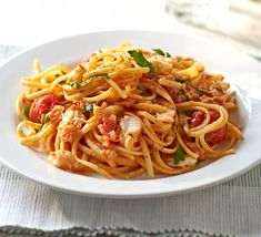 Transform storecupboard heroes such as canned crab and dried pasta into a delicious seafood supper in just 30 minutes vegetarian pasta recipes Crab Pasta Recipes, Linguine Recipes, Fish Recipes, Seafood Recipes, Noodle Recipes, Tomato Linguine, Crab Linguine, Bbc Good Food Recipes, Meals
