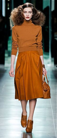 Copy a one color look- simple and yet interesting lines-Bottega Veneta