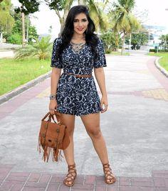 Diário da Moda: Look do dia: Macaquinho estampado +  #hippiechic #folk #boho #macaquinho #macacao #jumpsuit #lookoftheday #lookdodia #lookdiary #fashion #fashionblogger #lookbook #gladiadora #gladiator #franjas #boho #estiloboho #acessoriosboho #diariodamoda Estilo Boho, Floral Romper, Hippie Chic, Spring Summer Fashion, Bollywood, Girl Outfits, Beautiful Women, Rompers, Celebs