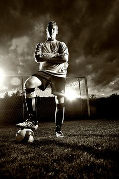 Love the Senior Pic Ideas. Hmm now who plays soccer.