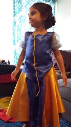 A simple yet creative approach to hand stitching your own DIY Snow White Costume for toddlers. Diy Snow White Costume, Toddler Costumes, Hand Stitching, Desi, Saree, Asian, Sari, Saris, Sari Dress