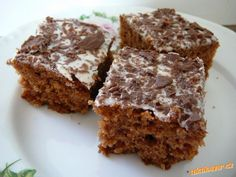 Step by step instructions and images for making chewy chocolate-coated granola bars in the microwave. Brownie Toppings, Brownie Bar, Healthy Desserts, Delicious Desserts, Yummy Food, Healthy Foods, Healthy Recipes, Chewy Granola Bars, Mint Chocolate