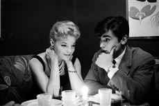Alain Delon (né en 1935), acteur français, et Romy Schneider (1938-1982), actrice autrichienne. Paris, 9 octobre 1958.