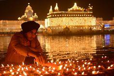 EN IMAGES. Diwali, la fête des lumières en Inde et au Pakistan