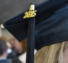 MBA Admissions Myths Destroyed: Do Alumni Connections Help You Gain Admission? School Hairstyles For Teens, Teen Hairstyles, New College, Harvard Business School, College Life, Prep Academy, Personal Achievements, Best Online Courses, School Application