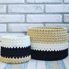 {inspiração} linda nesse jogo de cores neutras! Pq amamos cestos 〰💛〰💛〰💛 #handmade #crochet #crochê #knitting #basket #cestos #fiodemalha #trapillo #ganchillo #feitoamao #feitocomamor #decoracao #decor #instadecor #boatarde #artesanal #artesanato #tendencia #inspiration  From @knittedloop
