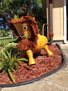 Terra cotta pot lion