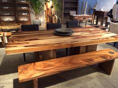 A live edge dining table made of suar wood at the centre of the dining room thanks for sharing for Chambre bois de rose