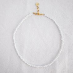 Jewelzzzzz White Seed Bead Choker – Ohana Bracelets Discover what colors suit your dwelling. Beaded Chocker, Beaded Choker Necklace, Beaded Anklets, Seed Bead Necklace, Seed Bead Bracelets, Seed Beads, Beaded Jewelry, Surf Necklace, Diy Accessories