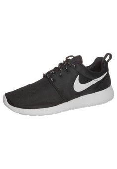 Nike Sportswear ROSHE RUN - Tenisówki i Trampki - czarny - Zalando.pl