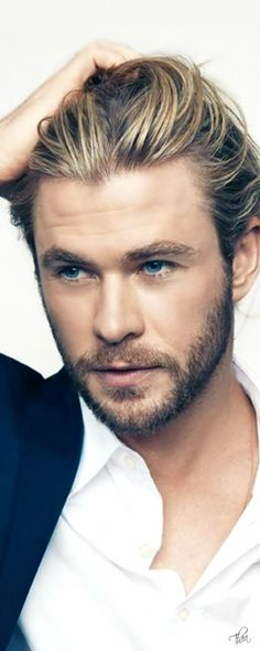 Chris Hemsworth , the love of my life and my number one go to for a book boyfriend