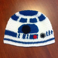 Crochet R2D2 Star Wars Hat by Rainbow Roo Creations (formerly MoogjiGoo) Please like my Facebook page to stay up to date with pattern releases. www.facebook.com/RainbowRooCreations