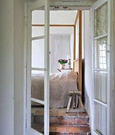 frenchdoors to bedroom