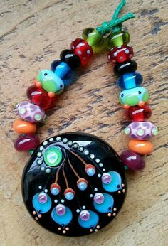 Lampwork by Lorna May Prime (Pixie Willow Designs, pixiewillow on Etsy)
