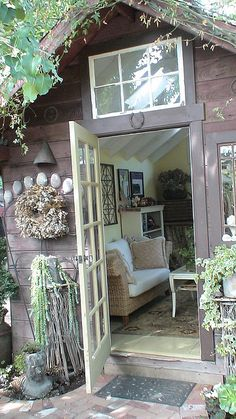 cute garden shed/office Carri Reddick Reddick Reddick Reddick Stokes.I like the window above the door.Need to put one in my garden shed on the west side. Shed Office, Garden Office, Cottage Office, Outdoor Rooms, Outdoor Living, Outdoor Office, Dream Garden, Home And Garden, Garden Cottage