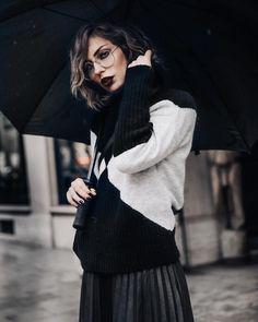 "Polubienia: 5,072, komentarze: 92 – Masha Sedgwick (@masha) na Instagramie: ""There is telepathy between hearts. ❤️ (I miss u) 📸 @theresakaindl #quoteoftheday #rainyday"""