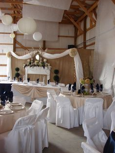 Instructions on how to build the burlap backdrop- maybe in another fabric- behind sweetheart table? Burlap Backdrop, Burlap Drapes, Rustic Wedding Backdrops, Diy Wedding Decorations, Reception Decorations, Tan Wedding, Dream Wedding, Wedding Reception, Colour Paper Flowers