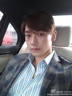 #rain posted pictures on his  @29rain [Pic#2]140304 Rain @ Weibo (Credit RAIN-JIHOON) he looks amaZing