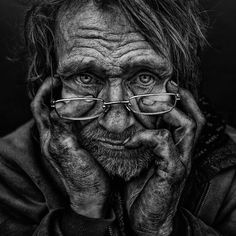 From sorrow and despair to warmth and dignity, Manchester, England-based photographer Lee Jeffries documents the expressive faces of homeless people in pow