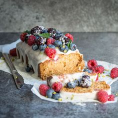 Well hello there vegan lemon raspberry loaf cake. This cake is deliciously moist and crumbly and full of beautiful citrus flavour! Totally vegan and totally delicious! It's Great British Bake Off week, so what better way to start than with a show stopper? This is actually my first dabble in proper vegan baking, and I …