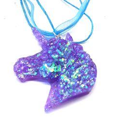 Voici ce que je viens d'ajouter dans ma boutique #etsy : Collier pendentif tête de Licorne kawaii paillettes bleues violettes http://etsy.me/2C8b1Go #bijoux #collier #rose #sciencefictionetfantastique #animal #licorne #unicorn #kawaii #cute #mignon