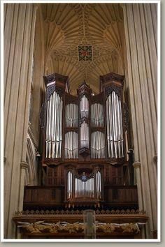 Bath - Abbey - John Smith, 1835 / William Hill, 1868 / Norman & Beard, 1972 / Klais Orgelbau, 1997