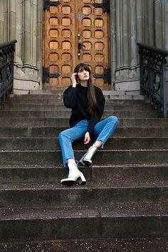 Paz Halabi Rodriguez - Zara Puff Sleeves Sweater, H&M High Straight Waited Jeans, Zara Silver Boots - Silver & Blue