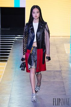 Louis Vuitton Spring-summer 2016 - Ready-to-Wear Louis Vuitton, Spring Summer 2016, Ready To Wear, Women Wear, Punk, How To Wear, Collection, Photos, Fashion