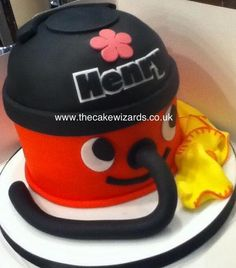 Henry the Hoover cake! 2 Birthday Cake, Birthday Ideas, Love Cake, Cute Cakes, Cake Ideas, Cake Decorating, Projects To Try, Food And Drink, Decorations