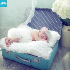 New born baby girl on day 13 IRENE CHUI photography www.irenechui.com