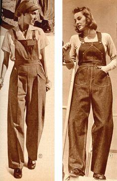 Deux femmes portant des salopettes en jean, vers 1940                                                                                                                                                                                 Plus