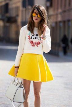 Informal. Falda amarilla must summer 2014.