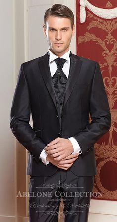 De flotteste dressene finner du hos www.abelone.no Nettbutikk og Brudesalong. Kom og prøv i vår butikk om du ønkser :)
