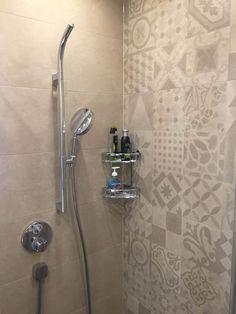 Bathroom Under Stairs, Simple Bathroom Designs, Small Bathroom Decor, Bathroom Interior, Classy Living Room, Mirror Decor, Bathroom Design Layout, Bathroom Decor, Tile Bathroom
