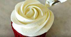 Já pensou em produzir em casa um creme especial e delicioso, especialmente indicado para cobertura e recheio de bolos e cupcakes, feito de chantilly com leite condensado e Ninho? Mais docinho, cremoso e amarelado que o simples chantilly de creme de leite, a solução feita de leite Ninho é irresistíve