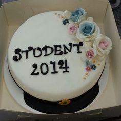 Studenttårta - graduation cake Graduation Day, Food Videos, Birthday Cake, Yummy Food, Sweets, Desserts, Tips, Summer, Inspiration