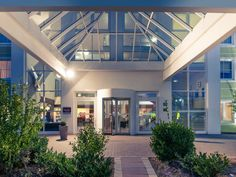 MERCURE DUESSELDORF RATINGEN: Our 3-star Superior Mercure Hotel Düsseldorf Ratingen is ideally located close to the cities of Düsseldorf,…