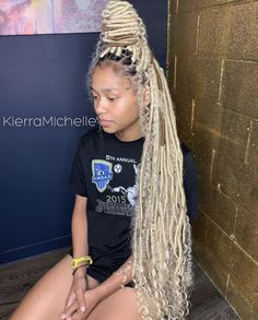 Discover recipes, home ideas, style inspiration and other ideas to try. Box Braids Hairstyles, Black Girl Braided Hairstyles, Black Girl Braids, Baddie Hairstyles, Braids For Black Women, Braids For Black Hair, My Hairstyle, Hair Color For Black Hair, Black Women Hairstyles